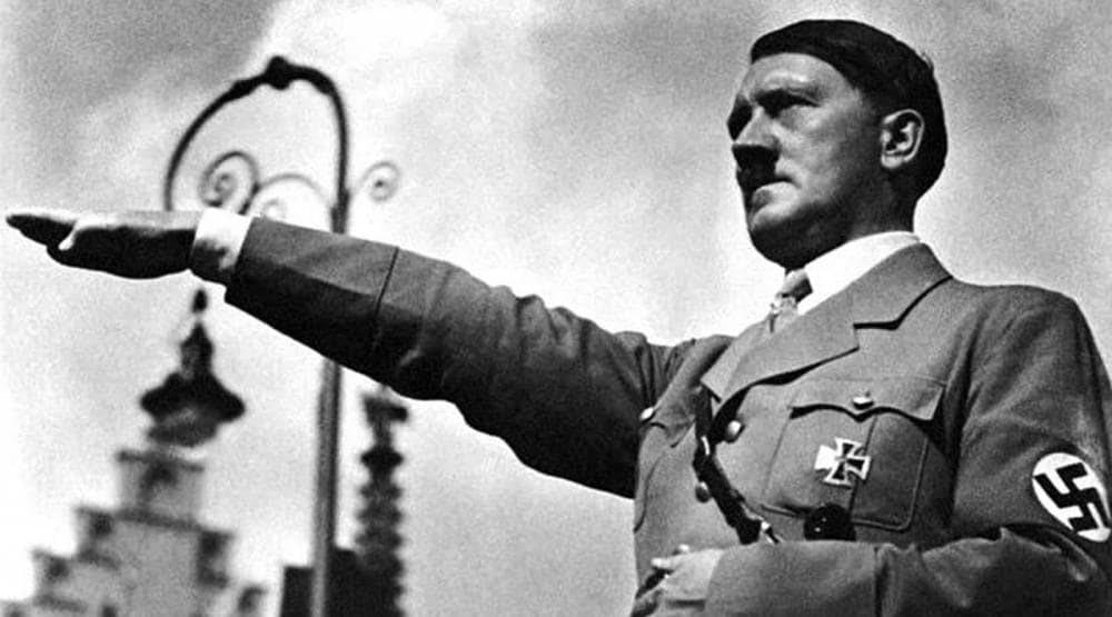 Hitler và những người Quốc Xã luôn bị cánh tả gán ghép là phe cực hữu.