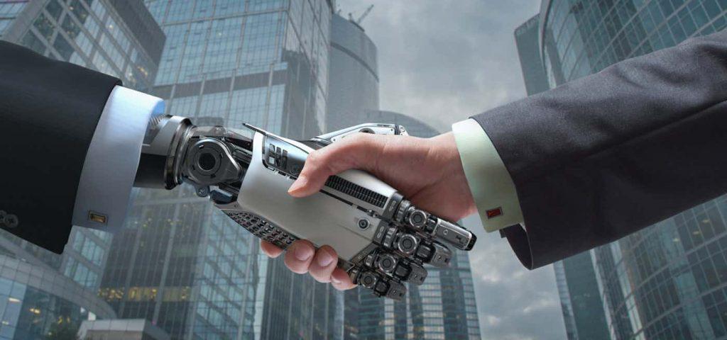 Người máy, cách mạng số hóa, tự động hóa, trí tuệ nhân tạo không khiến việc làm mất đi, mà sẽ tạo ra sự chuyển dịch trên thị trường lao động.